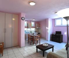 Apartment Cyclamen